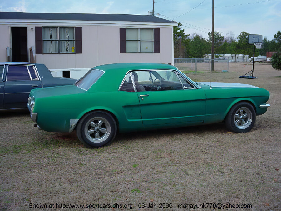 Ford Mustang - ID: 15714