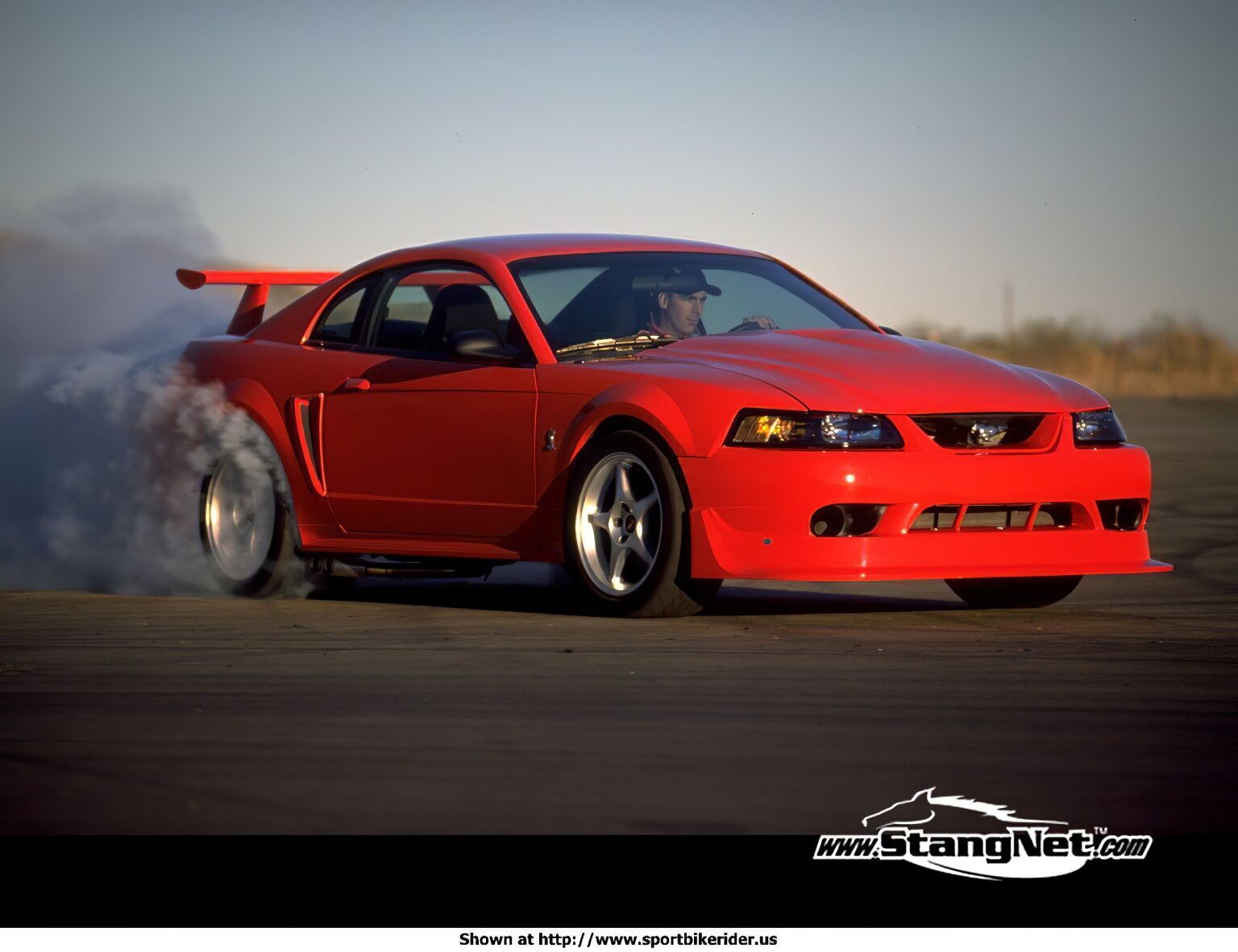 Ford Mustang - ID: 1621